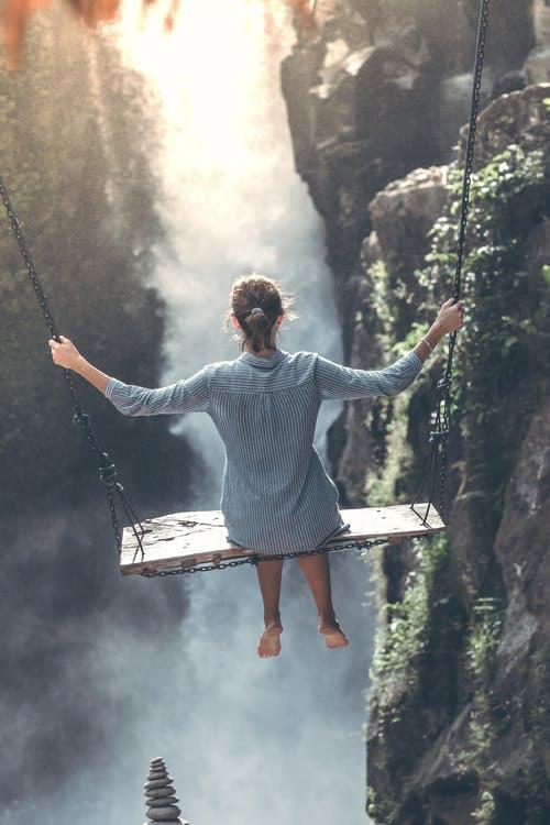 La méditation de pleine conscience n'est pas une solution temporaire à un problème temporaire. La méditation de pleine conscience, tout comme l'exercice physique, est une pratique qui apporte des bienfaits à court et à long terme.