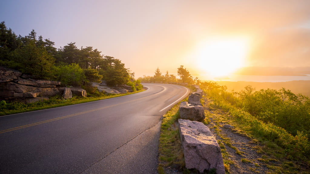 gün batımında yol