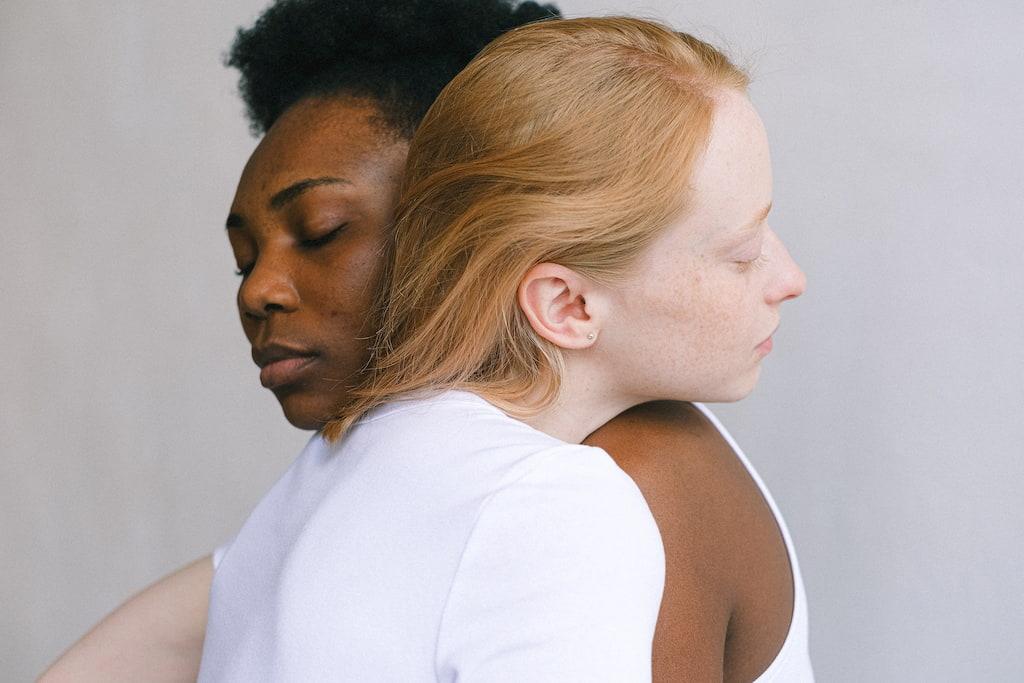 women hugs