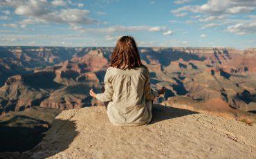 a-women-meditating
